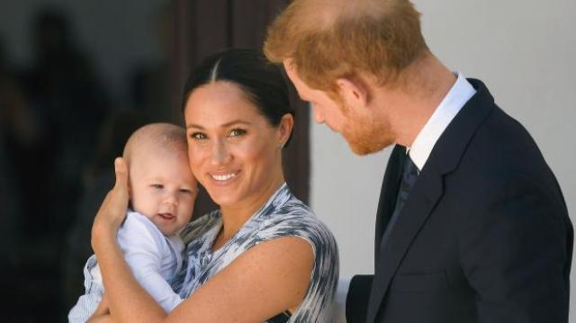 Какой милый животик. В сеть попал снимок Гарри и Меган, беременную вторым ребенком