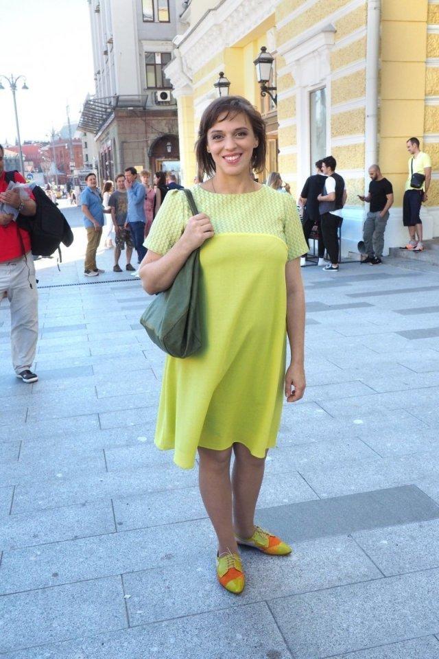 Седовласая старушка. 41-летнюю располневшую Уварову не узнать с седыми волосами