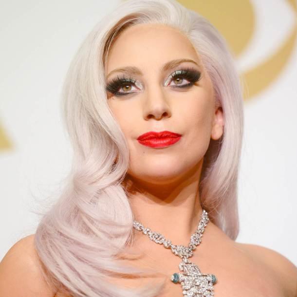 Настоящей ангел. Леди Гага смыла косметику и показала себя с чистым лицом