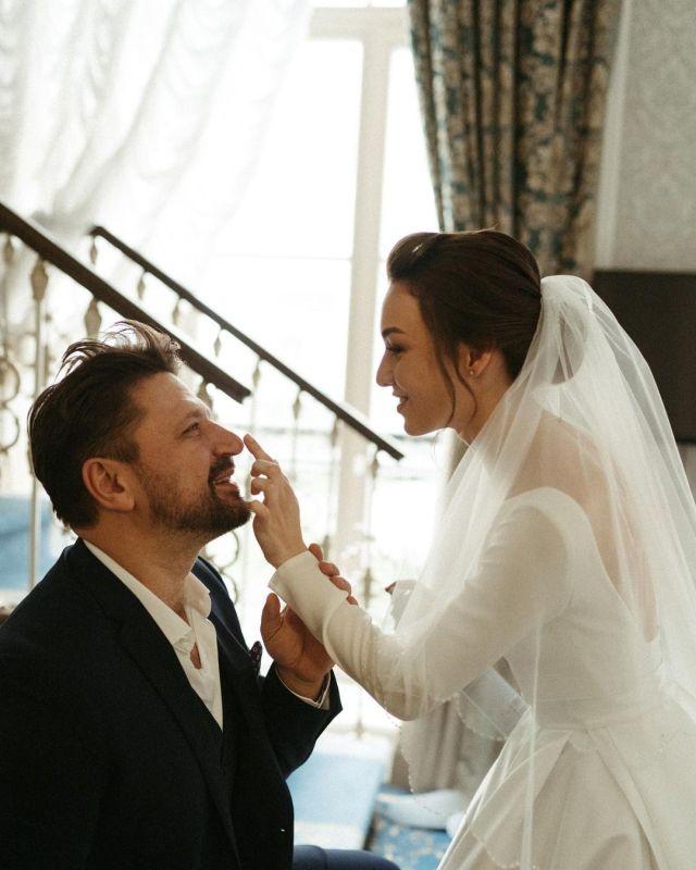"""""""Мы разводимся!"""" - молодая жена ушла от звезды """"Счастливы вместе"""" Виктора Логинова"""