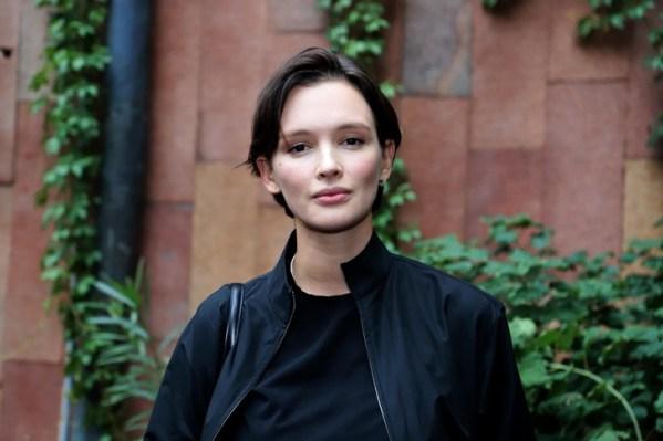 Как деревенская провинциалка. Краснощекая Паулина Андреева набрала лишние кг