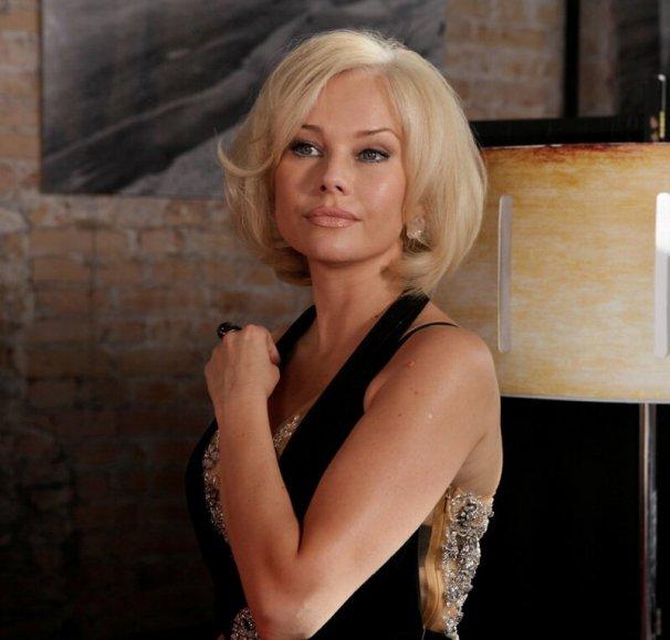 Исчезнувшая 49-летняя Корикова вновь появилась на публике в шортиках