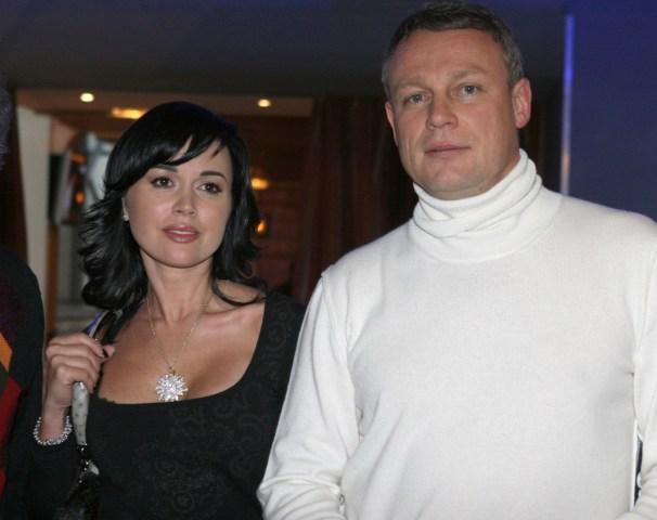 Она вновь с бывшим. Вера Новикова после Жигунова начала общение с бывшей любовью