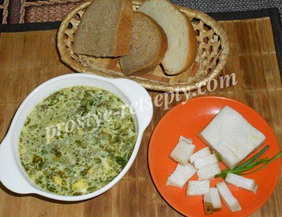 Зеленый борщ со щавелем и яйцом: рецепт с пошаговыми фото