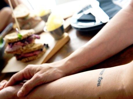 L'amour fou - Amor loco nos encanta el tatuaje de Waldesca