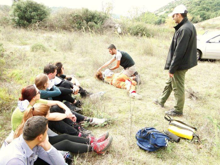 Εικόνα απο το πρακτικό μάθημα πρώτες βοήθειες,2ο Σεμινάριο 2010