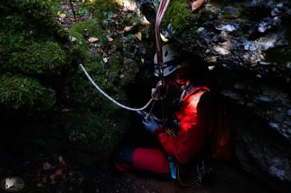 Μπαίνοντας στο σπήλαιο
