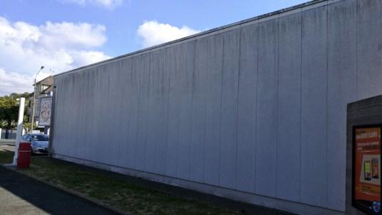 Contamination des peintures de façade.