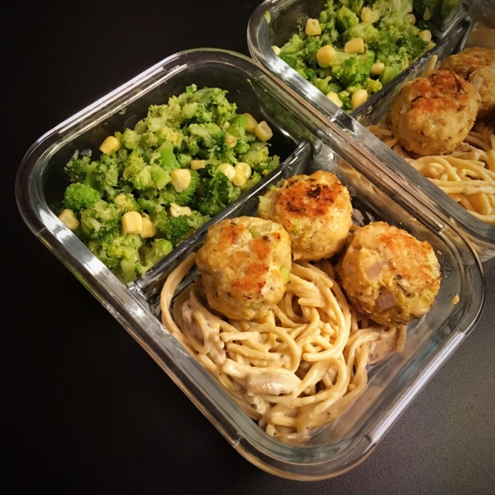 Chickpea Spaghetti Pasta and Mushrooms in Alfredo Sauce, with Turkey Meatballs, and a side of Broccoli and Corn (Meal Prep)