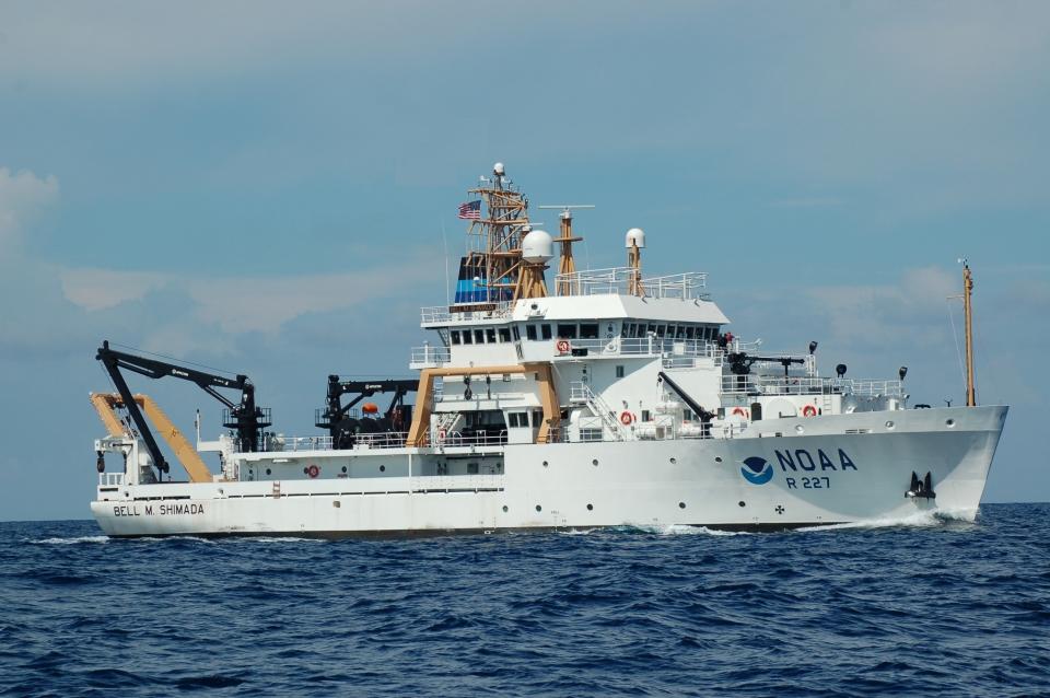 NOAA-Ship-Bell-M.-Shimada-underway_Photo-courtesy-NOAA