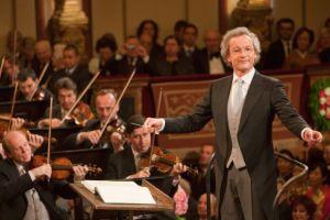 Franz Wesler-Möst dirige el concierto en 2011