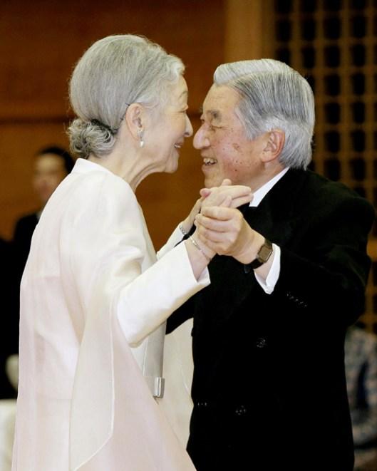 Los emperadores de Japónn3--a