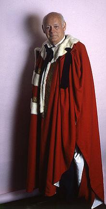 Lord_Montagu_of_Beaulieu_15_Allan_Waren