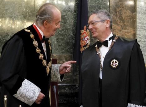 El Rey y el Ministro de Justicia