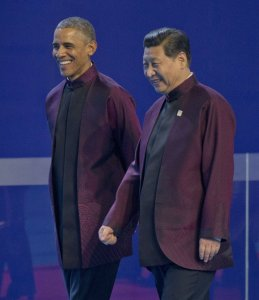 Barack Obama y Xi Jinping, el lunes en la cumbre de Asia-Pacífico  PABLO MARTINEZ MONSIVAIS (AP)