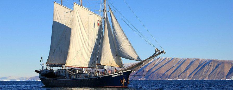 Żeglujący statek