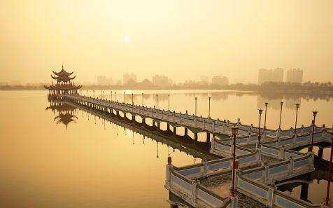 ???,???? (Lotus Lake in Kaohsiung, Taiwan)