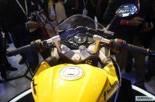 Bajaj-Pulsar-SS400-Auto-Expo-2014-21.jpg.pagespeed.ce.2AWueXD-xf