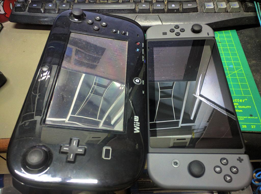 與 Wii U Pad比較大小