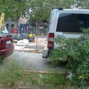 2011-juliol-29 colonia castells -Excavadora en espera