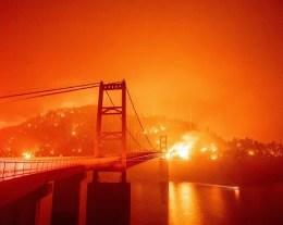 Nel 2020 gli incendi causati dai cambiamenti climatici hanno reso l'aria rossa in Califorina