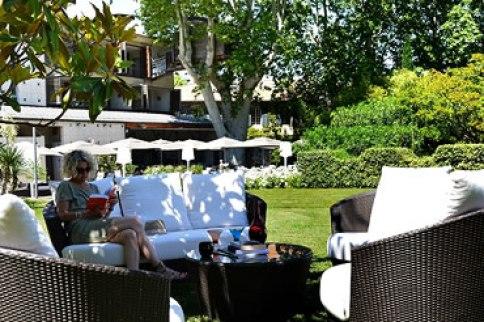 View towards restaurant Hotel De L'Image Saint Remy de Provence