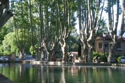 Cucuron etang Provence view