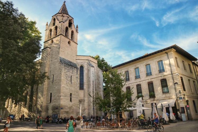 Place Saint Didier Provence Itinerary