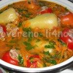 Фаршированные овощи заливаем зажаркой