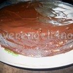 """Торт """"Медовик"""" с бананами в шоколадной глазури"""