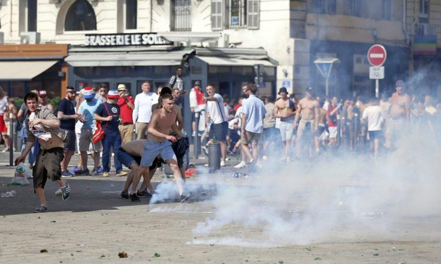 フランス ユーロ サッカー フーリガン 暴動 20162