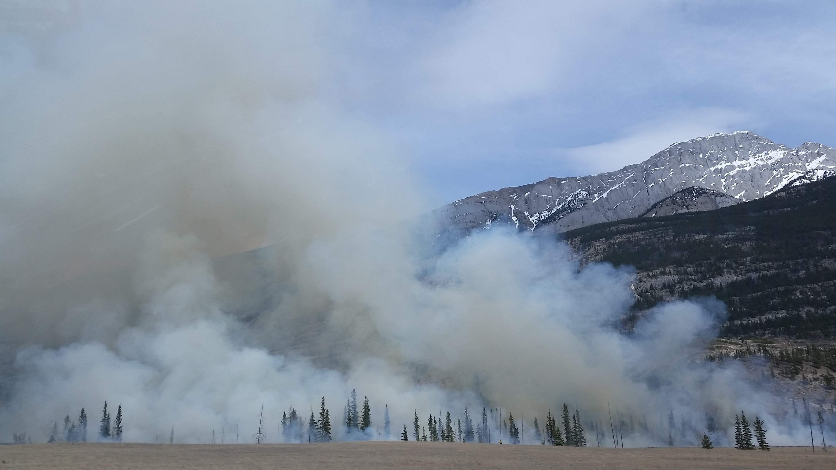smoke on mountain from fire