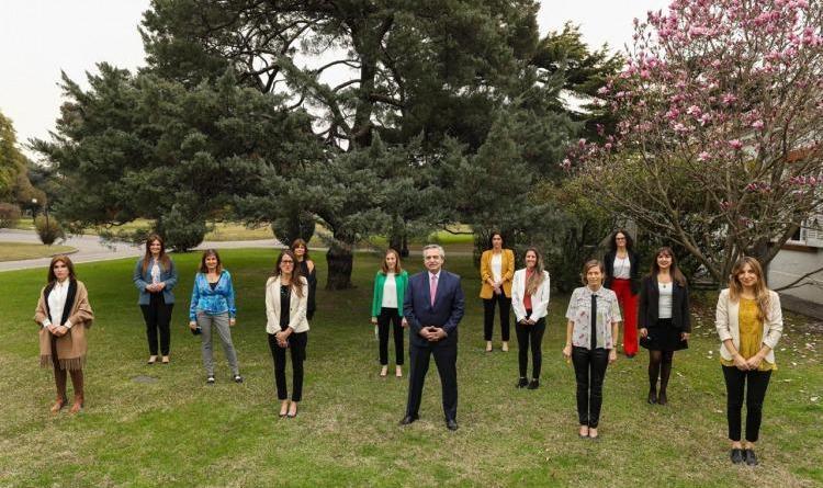 Incorporan perspectiva de género a las audiencias presidenciales