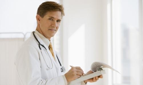 Аэрофагия - симптомы и лечение, что это такое заглатывание воздуха в желудок