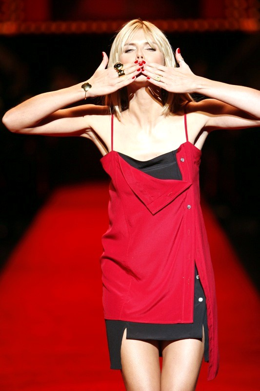 Удачи! Хайди Клум. (Heidi Klum) The Heart Truth Fashion Show 2008.