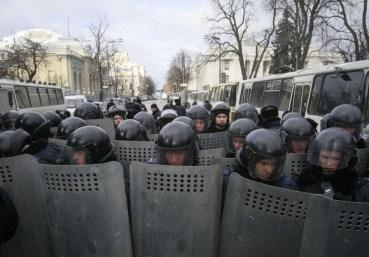 Офіцери спецназу вимагають гарантій недоторканості, щоб перейти на бік революції