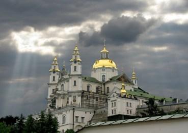 Громади Української Православної Церкви (московського патріархату) переводять у пряме підпорядкування Москві та Кірілу