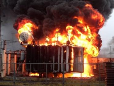 И тепло, и светло: в Севастополе пожар на подстанции