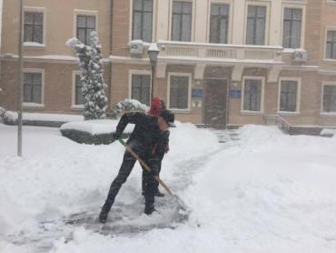 Сьогодні відбулось засідання комісії щодо неналежного стану прибирання доріг Тернополя від снігу