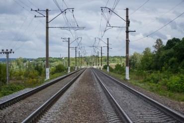 У Деренівці житель Хоросткова вирізав 270 метрів дроту, який передає сигнали поїздам