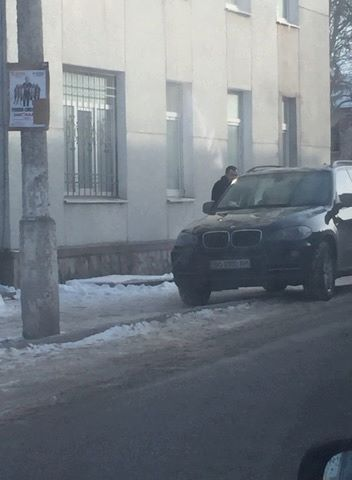 Головний радикал Тернопільщини не тільки кнопкодавить, але й порушує правила вуличного руху