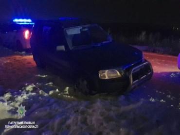 На водія-втікача патрульні склали 5 адмінматеріалів
