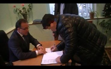 Депутату Тернопільської міської ради від Радикальної партії Ляшка повідомлено про підозру в отриманні 1500 доларів США хабара