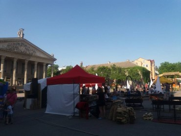Ганьба Тернополя – свято для пияків на головній площі