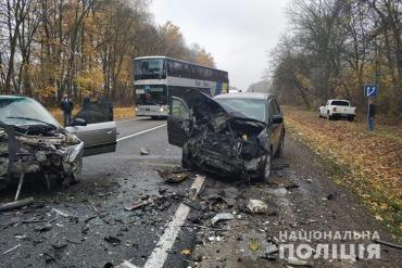 1 листопада, близько 11 години, на трасі Львів-Тернопіль не розминулися дві іномарки
