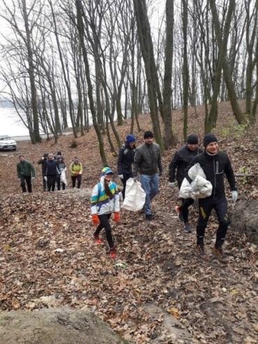 Тернопільські бігуни запрошують на тренування та прибирання лісу