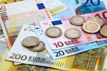 В Україні мінімальна зарплата становила на 1 січня 2019 року 132 євро, або відрізнялась більше ніж у 2 рази від Болгарії та в 16 разів менша за Люксембург