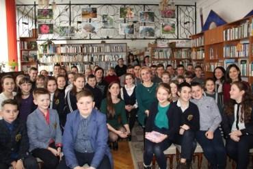 У Тернопільській обласній книгозбірні для дітей Олена Підгрушна читала Франка і спілкувалась з молоддю