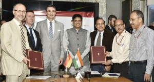 Piyush Goyal and the Germany Ambassador to India, Martin Ney witnessing the signing ceremony of Implementation Agreement of Indo-German Energy Programme- Green Energy Corridors (IGEN-GEC) between MNRE and GIZ, in New Delhi on August 28, 2017.