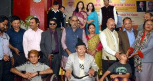 The Minister of State for Social Justice & Empowerment, Krishan Pal with the beneficiaries, at the 'Samajik Adhikarita Shivir', at Namchi, in South Sikkim on May 30, 2018.